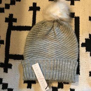 bd4076d0e89 NWT Sole Society gray knit beanie with pom